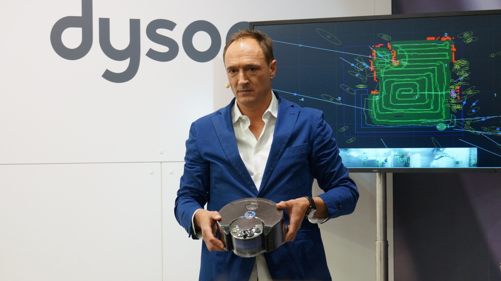 Dyson 360 Eye - Hands-on - 1