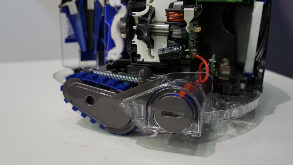 Dyson 360 Eye - Hands-on - 7